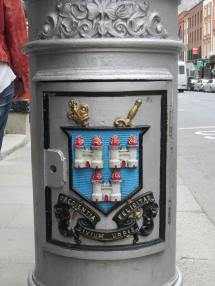 Crest on Dublin Lampost