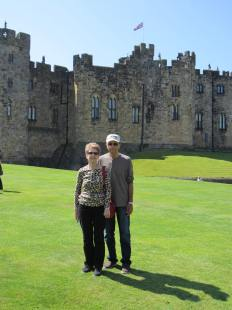 Dave and Becky at Alnwick Castle