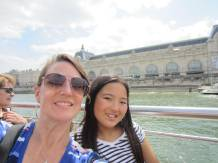 Musee d'Orsay in the background